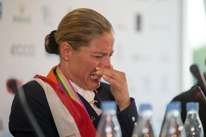 Олимпиада. Конный забег. Но она отказалась участвовать, и причины тому весьма шокирующие…