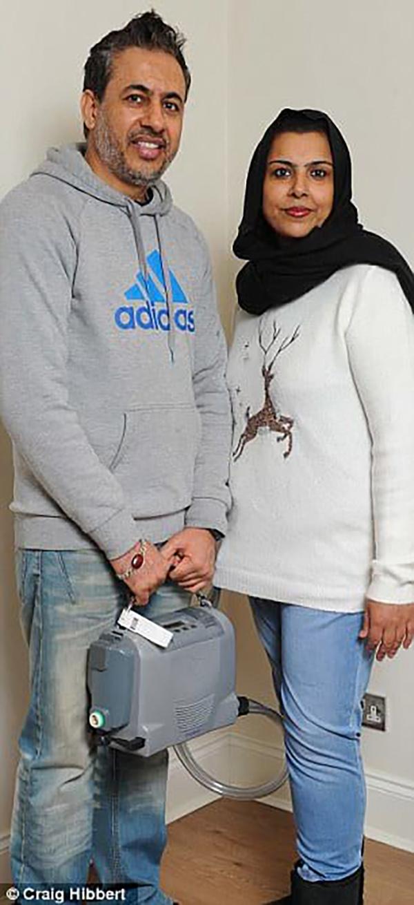 Селва Хусейн выжила, но теперь должна носить свое сердце в рюкзаке за спиной